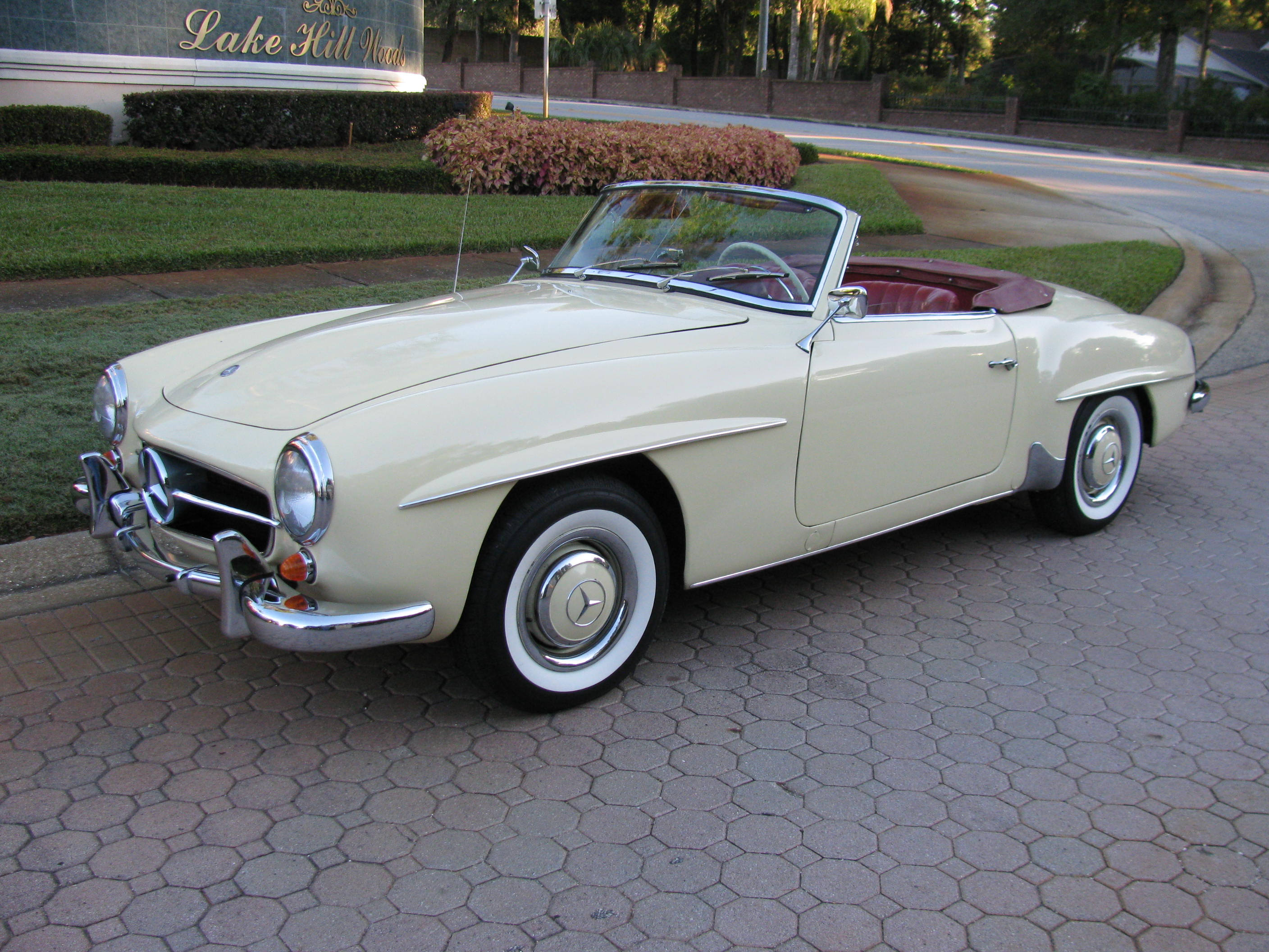 1960 Mercedes Benz 190sl Cabriolet With Images Mercedes Benz
