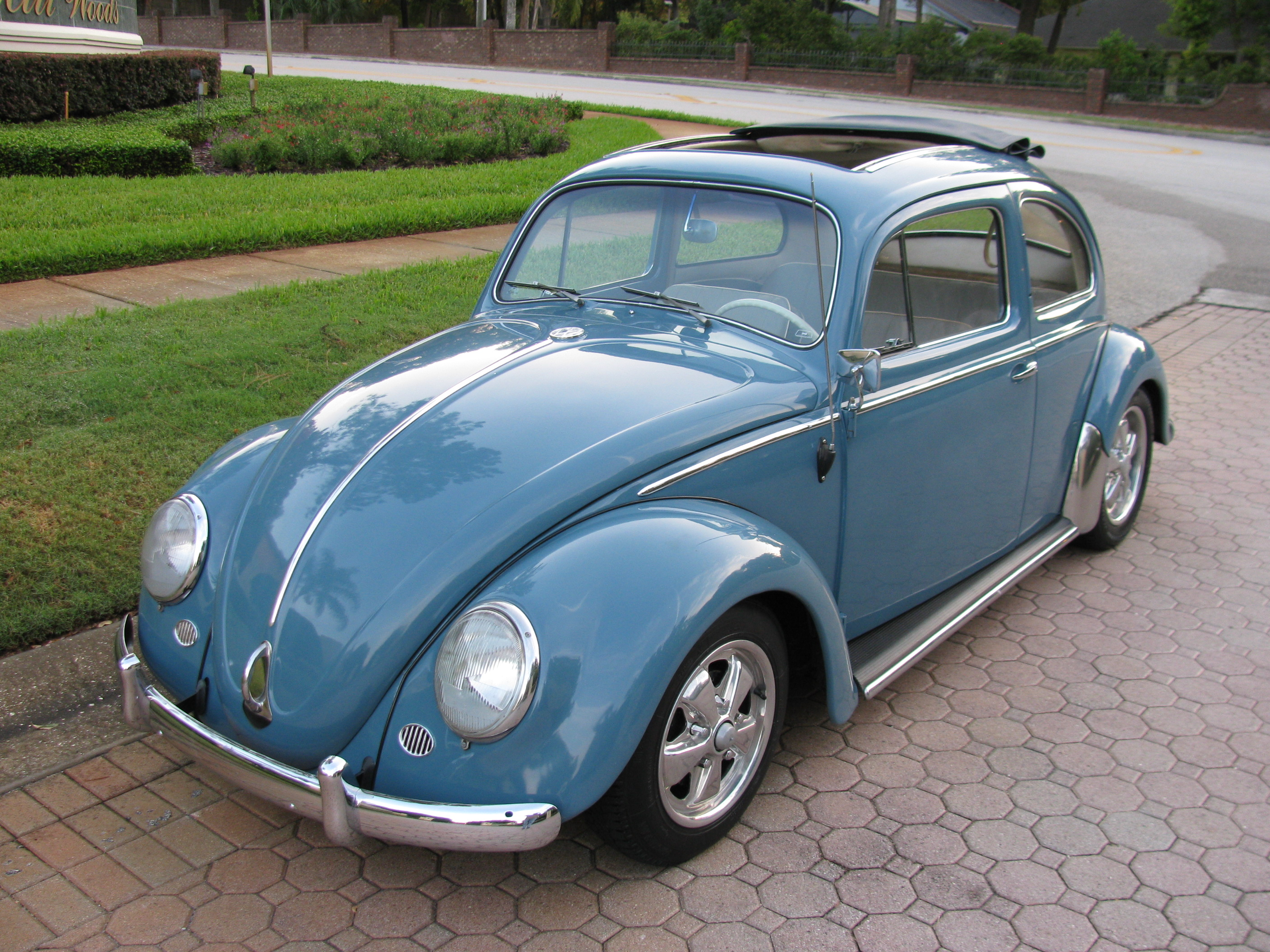 1000 images about vw bugs on pinterest vw bugs beetle and vw beetles. Black Bedroom Furniture Sets. Home Design Ideas