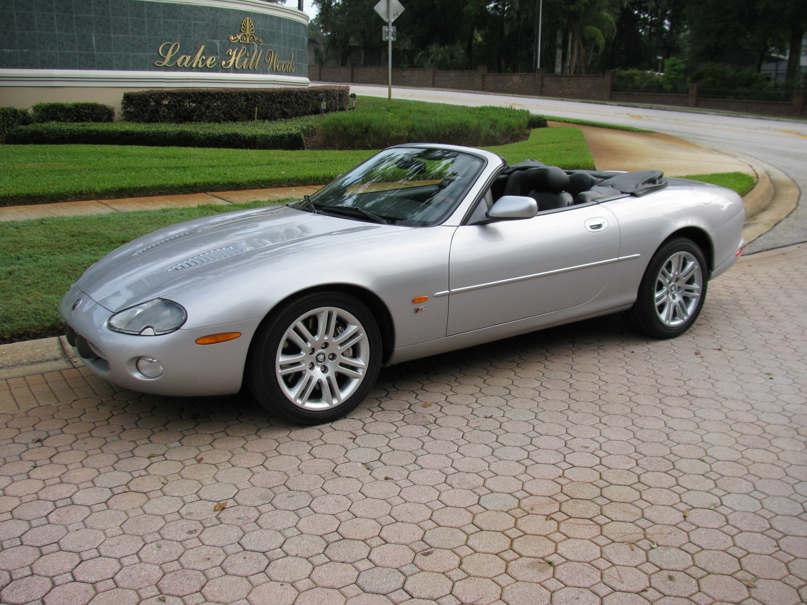 2003 jaguar xkr convertible vantage sports cars. Black Bedroom Furniture Sets. Home Design Ideas