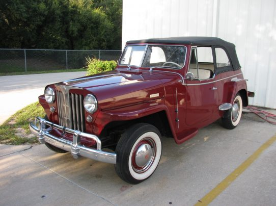 Willys Jeepster 002