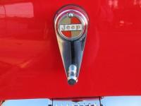 26.red wagoneer 040