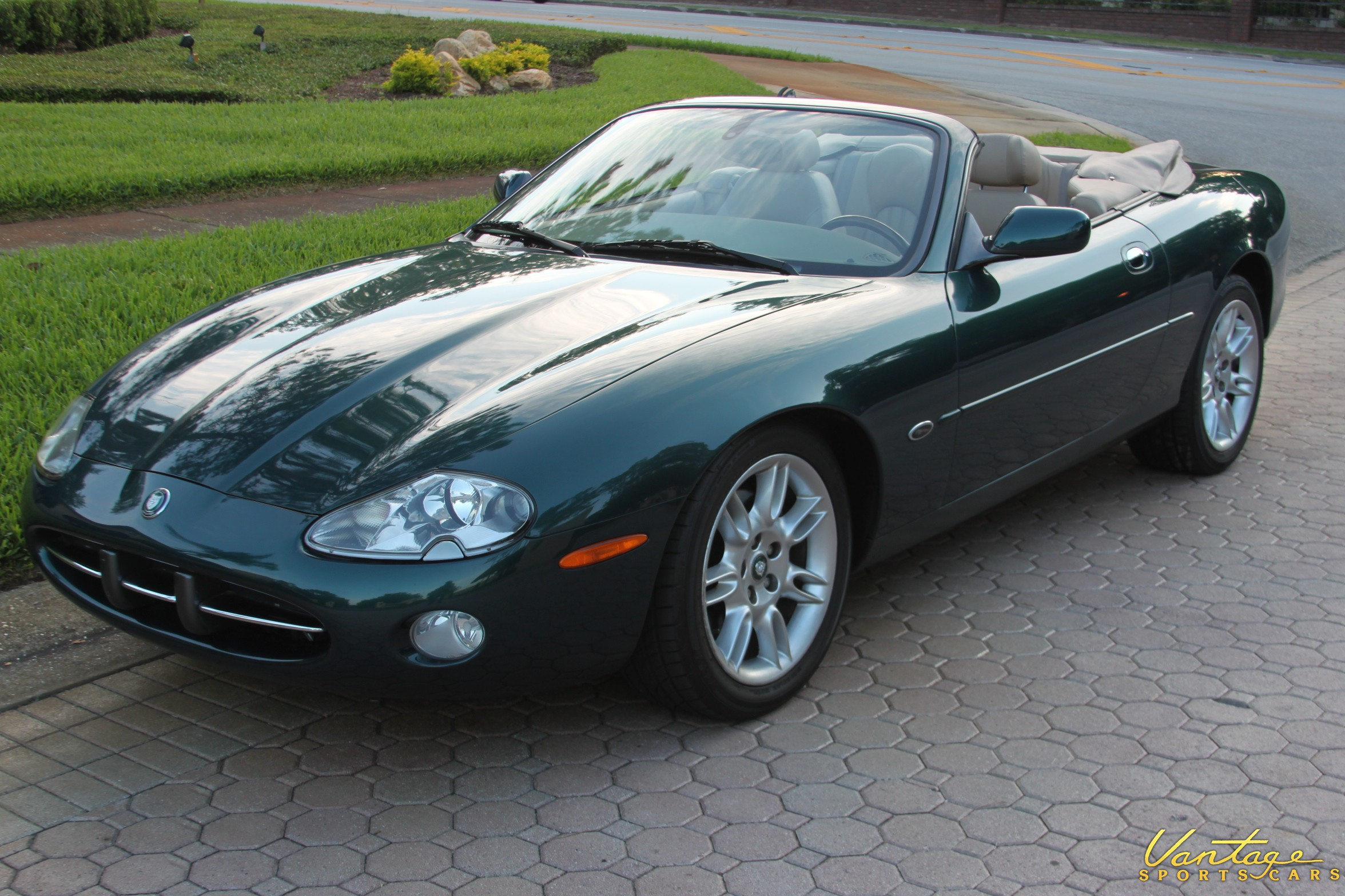 2002 jaguar xk8 convertible related infomation specifications weili automotive network. Black Bedroom Furniture Sets. Home Design Ideas