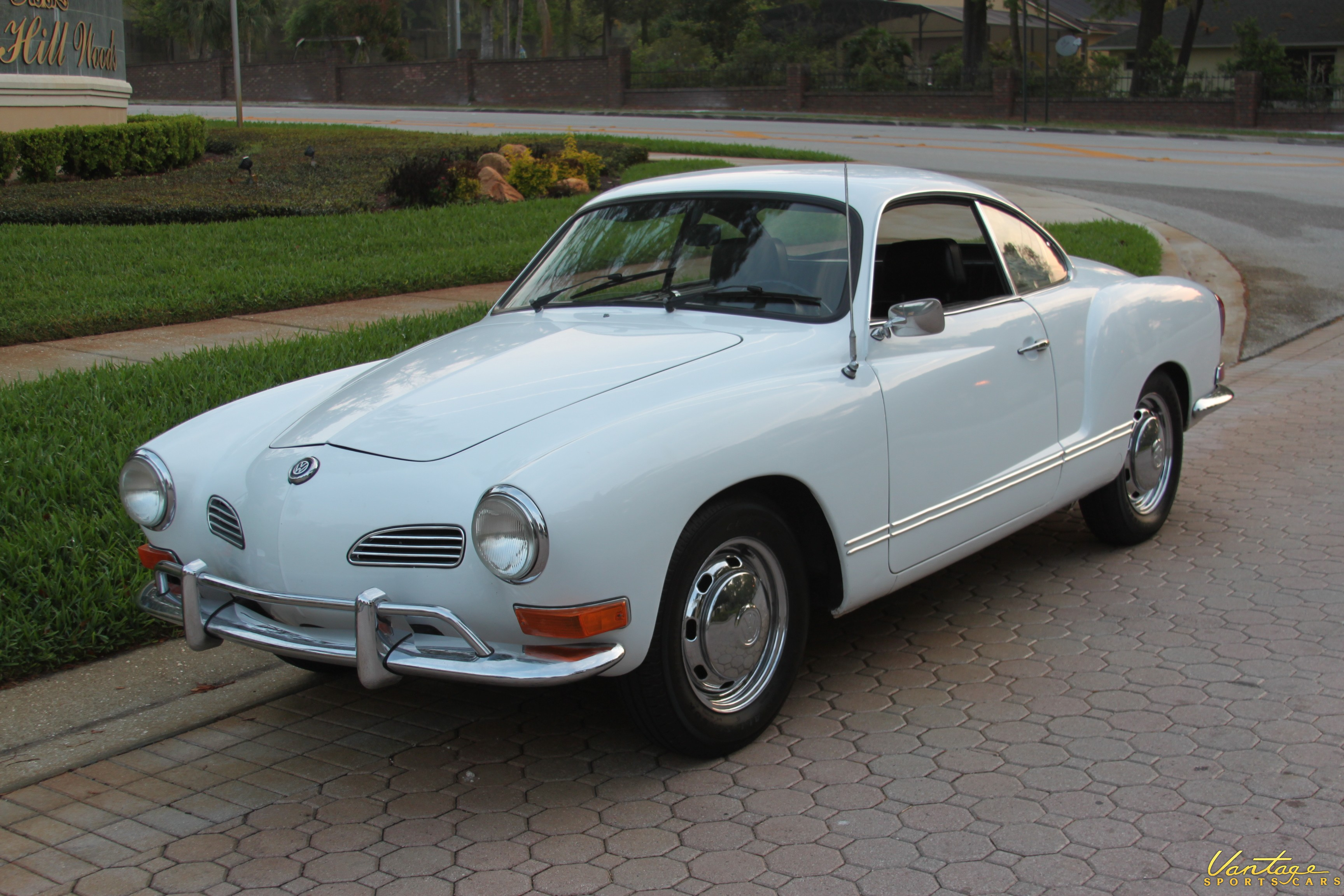 1971 vw karmann ghia sold vantage sports cars. Black Bedroom Furniture Sets. Home Design Ideas