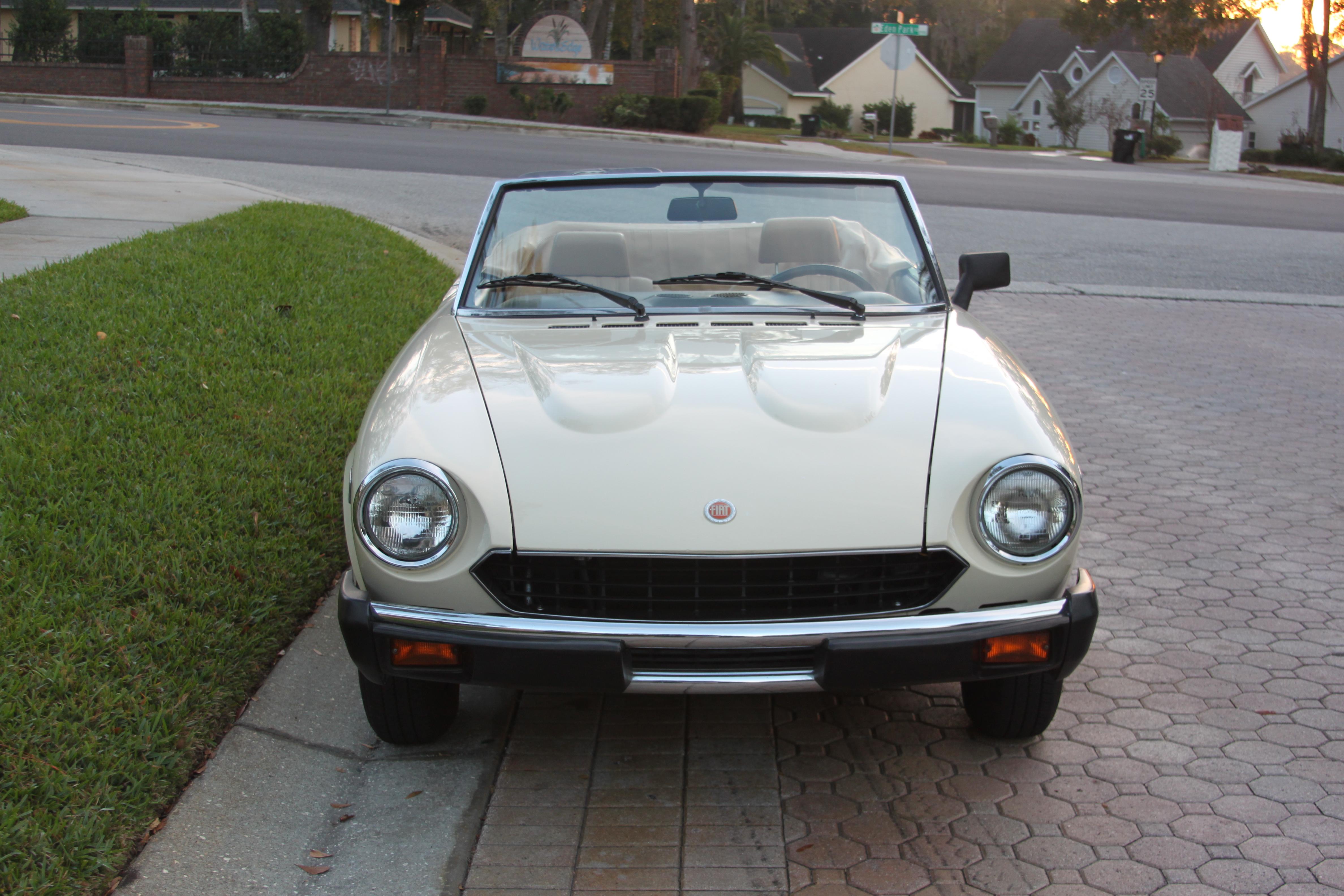 1980 fiat spider 2000 sold vantage sports cars vantage sports cars. Black Bedroom Furniture Sets. Home Design Ideas